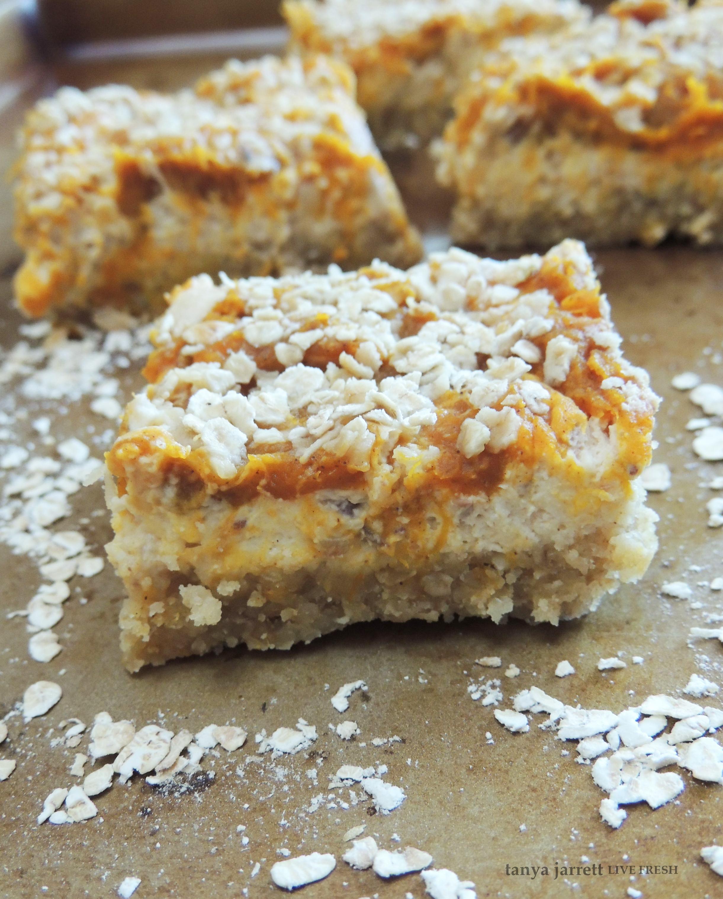 Coconut Flour Pumpkin Bars: Fresh Pumpkin Cheesecake Bars With An Almond & Coconut